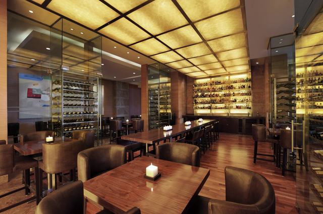 Grand_Hyatt_Mumbai_-_The_Bar