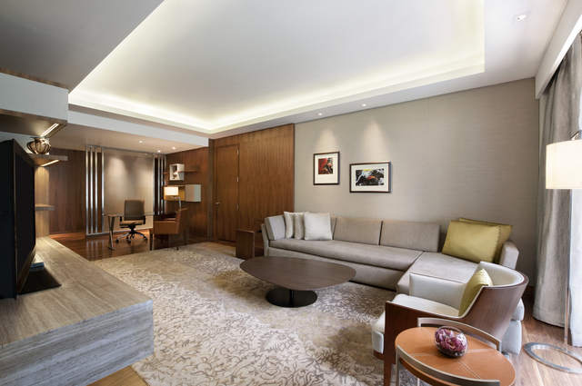 Grand_Hyatt_Mumbai__-_Diplomatic_Suite_Living_Room