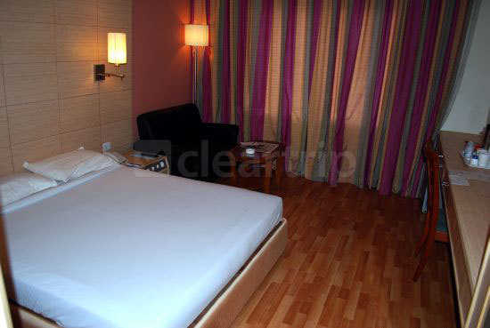 Neemrana Villa Pottipati Bangalore Room Rates Reviews