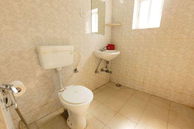 Dlx_room_bathroom_3