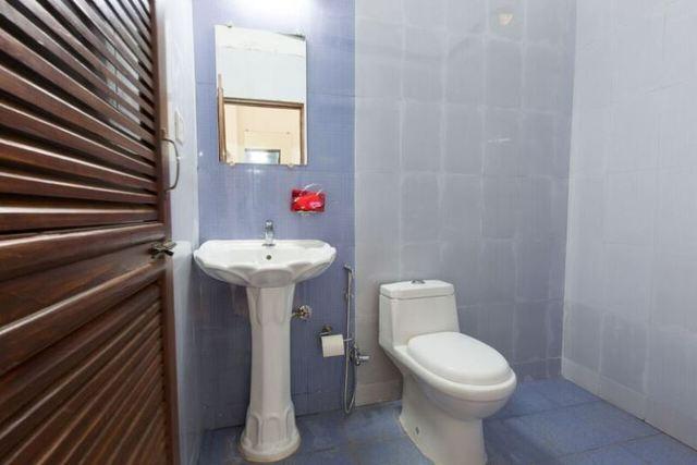 Dlx_room_bathroom