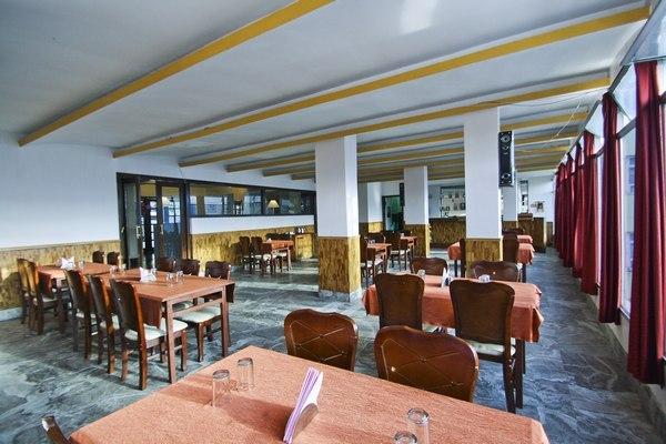 Hotel Mayur Gangtok Room Rates Reviews Amp Deals