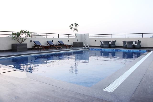 Swimming_pool_2