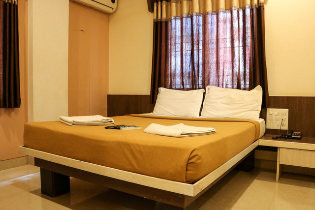 Double_Bed_(2)