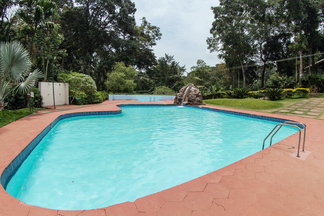 Carmelia haven the plantation resorts thekkady room rates reviews deals for Agus hotel swimming pool rates