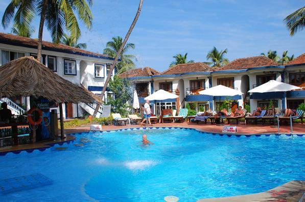 Santana beach resort goa room rates reviews deals for Agus hotel swimming pool rates