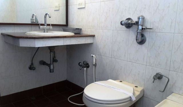 Executive_Suite_bath_room