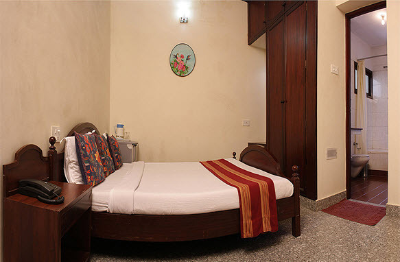 Guest_Room__6_