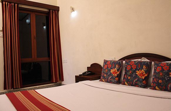 Guest_Room__7_