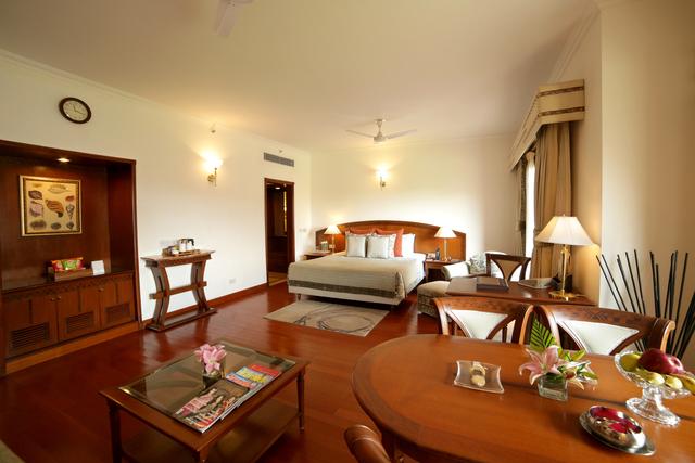 Junior_Suite_Room_1