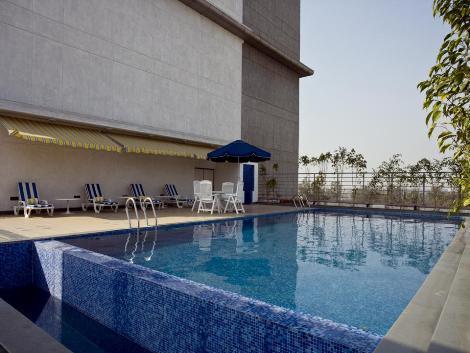 Lemon tree hotel east delhi mall kaushambi ghaziabad - Swimming pool in vaishali ghaziabad ...