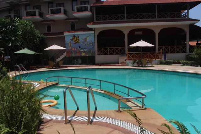 Swimming_Pool_(4)