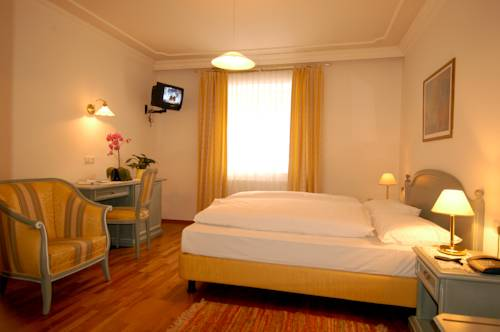 Hotel Bagni Di Salomone - Bad Salomonsbrunn, Rasun di Sopra. Use ...