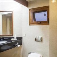 200701251224471452_Timber_Trail_Resort_Super_Deluxe_Bathroom_Image1