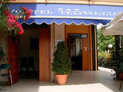 Hotel Terrazzo, Salo. Use Coupon Code >> STAYINTL << Get ₹ 2,000 ...