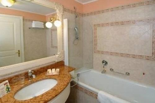 Gardaland Hotel Resort, Castelnuovo del Garda. Use Coupon Code ...