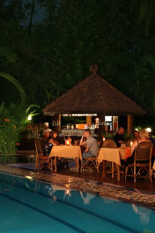 6._Horizon-_Pool_bar___Alfresco_Dining