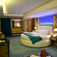 2._Maharaja_Honeymoon_Suite_Pic_2