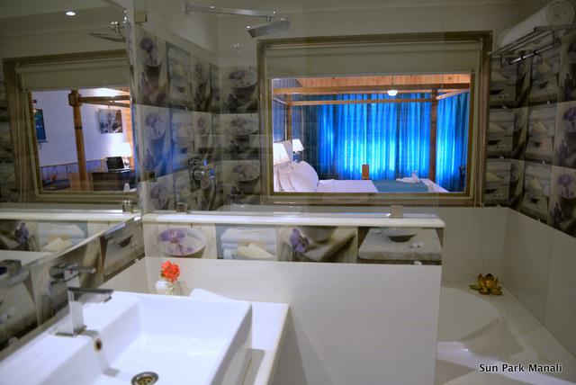 4._Bathroom_Royal_Honeymoon_Room