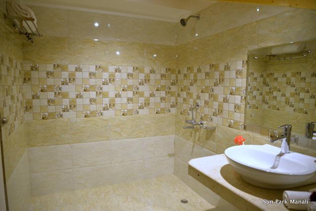 7._Bathroom_Top_Floor_Room_Duplex