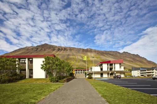 safjrur singles Request article pdf | mémoire collective et perception du risque lié aux avalanches et aux debris flows dans les fjords islandais : l'exemple du site d'ísafjörður (islande nord-occidentale.