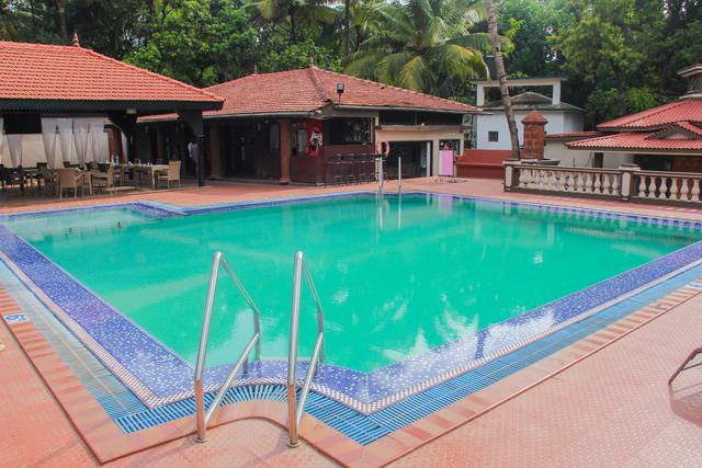 Swimming_Pool_(3)
