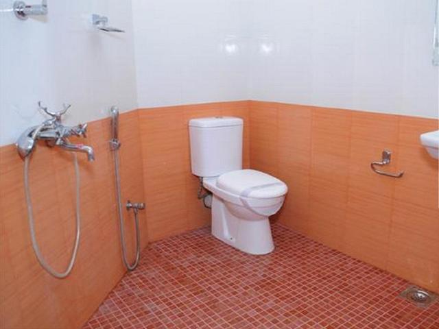 hotel-manvins-goa-bathroom-39389441fs