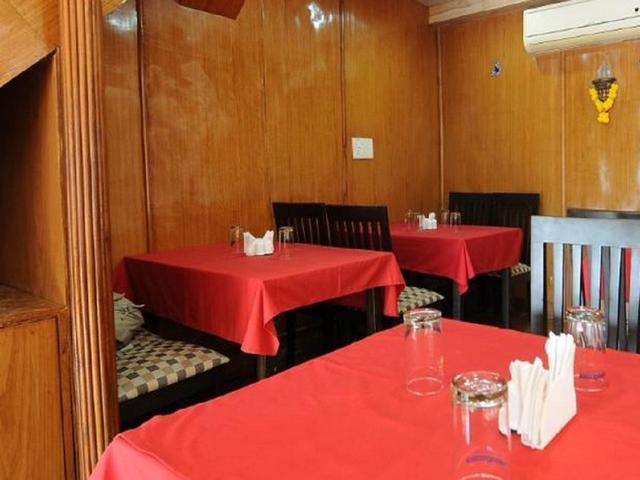 hotel-manvins-goa-restaurant-39389375fs