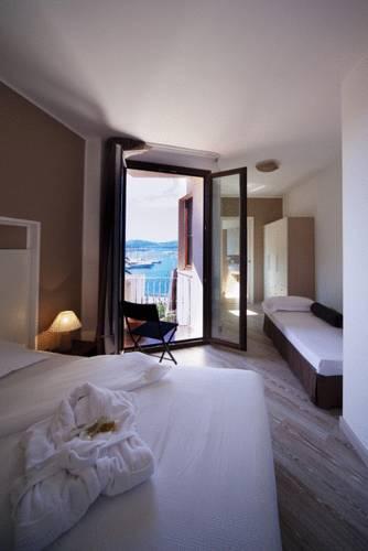 La Terrazza Sul Porto - Guest House, Alghero. Use Coupon Code HOTELS ...