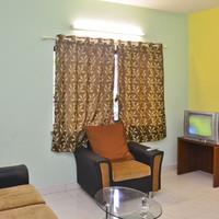 Executive_suite_sitting_area
