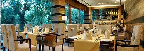 Restaurant_F_1