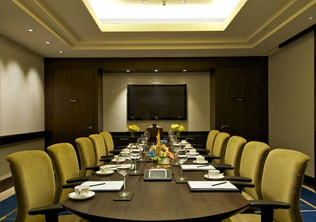 Vivanta By Taj Blue Diamond Hotel Rooms Rates Photos