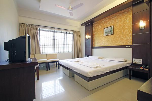 deluxe_ac_room__2_