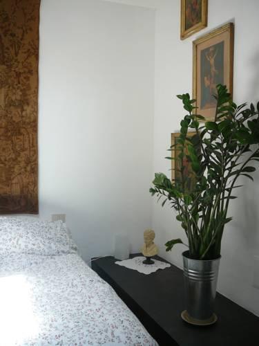 ui.cltpstatic.com/places/hotels/5795/579523/images...