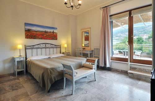 Best Le Terrazze Sul Lago Trevignano Contemporary - Idee Arredamento ...