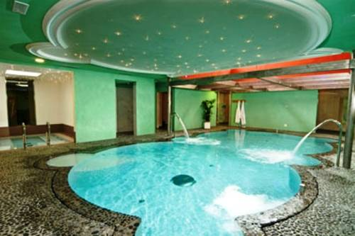 Albergo Bucaneve, Malosco. Use Coupon Code HOTELS & Get 10% OFF.