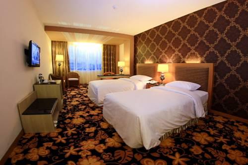 Grand Rocky Hotel Bukittinggi Bukittinggi Reviews Photos Room Rates