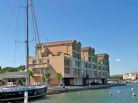 Apartment Les Rocailles I Gruissan Gruissan Use Coupon STAYINTL - Hotel port beach gruissan