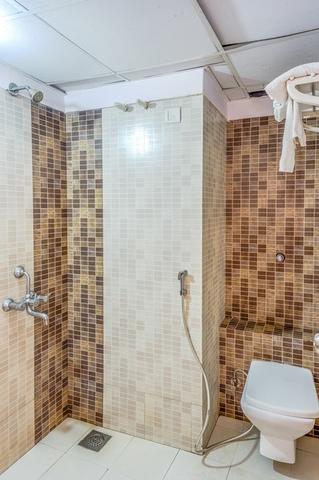 Oak_Bathroom_3