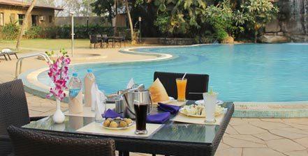 restaurant-poolside1
