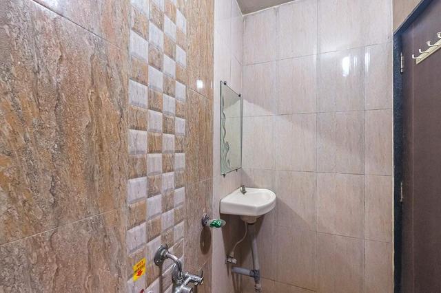 bath_room.