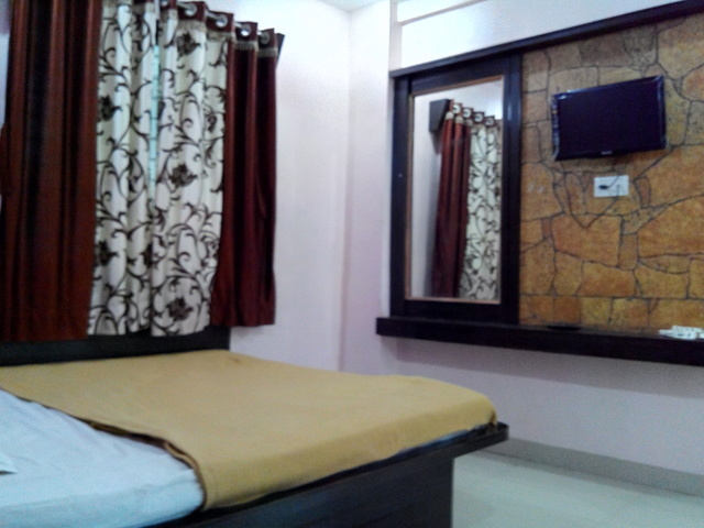 double_bed_deluxe_room