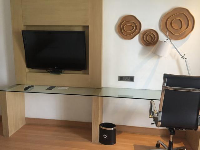 Incredible Le Meridien Kochi Kochi Room Rates Reviews Deals Beutiful Home Inspiration Ommitmahrainfo