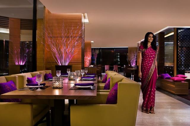 Courtyard By Marriott Ahmedabad Ahmedabad Room Rates