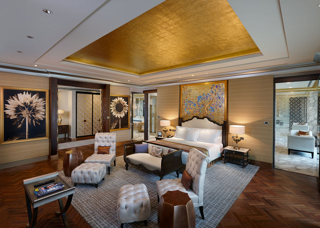 Presidential_Suite_Bedroom_1
