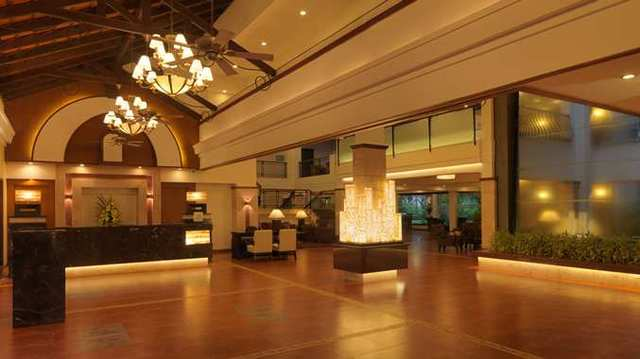 2_DT_hotellobby01_2_677x380_FitToBoxSmallDimension_Center