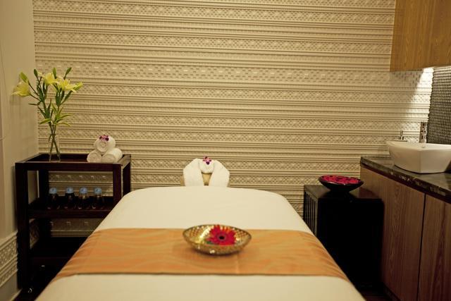 Spa_treatment_room