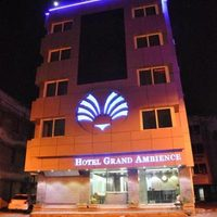 night-_hotel_grandambience