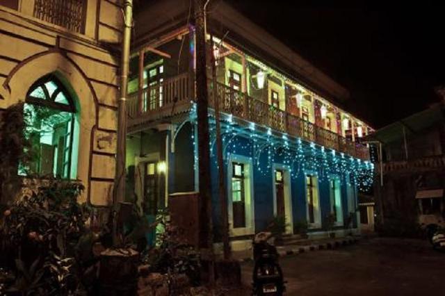 hospedaria-abrigo-de-botelho-goa-facade-night-view-43518240605fs