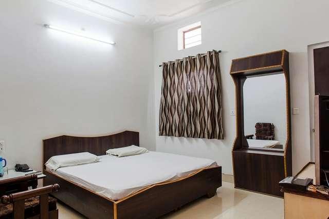 hotel-tourist-palace-bharatpur-1472882820095jpg-113010960916-jpeg-fs